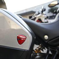 Ducati nos muestra en este vídeo cómo es el proceso de diseño y fabricación de los accesorios para sus motos