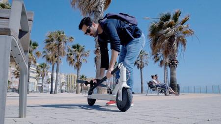 El Ayuntamiento de Madrid da 72 horas a las tres empresas de patinetes que operan en la ciudad para que los retiren