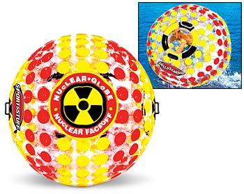 Nuclear globe, camina sobre el agua