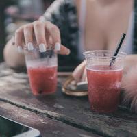 El consumo de bebidas azucaradas puede ser responsable de tu colesterol y triglicéridos altos en sangre