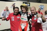 Simoncelli vence en Australia y Bautista besa de nuevo el asfalto