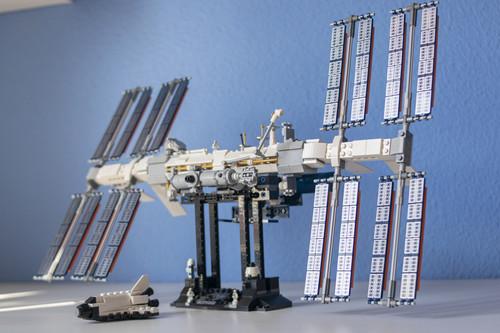 Montamos la Estación Espacial Internacional de LEGO: 846 piezas para reunir a quince naciones en unas dos horas