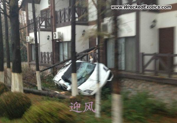 Lamborghini Gallardo accidentado en China