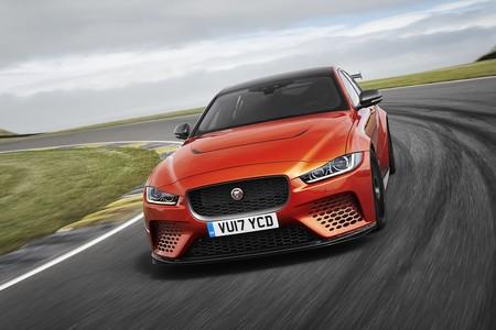 El Jaguar XE SV Project 8 es un delirio de sedán que quiere dejar en ridículo al BMW M4 GTS