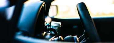 Del 'efecto mirón' al 'rebote': así son los peligros de los que advierte la DGT al viajar