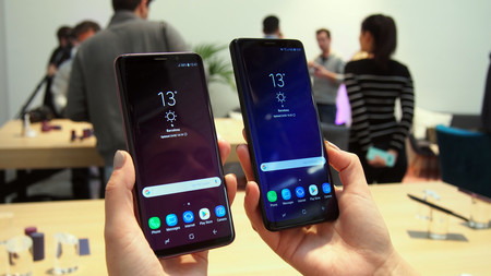 Dos modelos de Samsung Galaxy S9