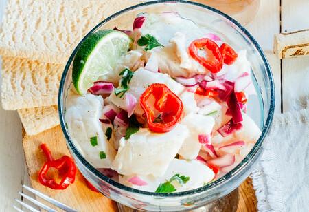 Receta fácil de ceviche peruano de corvina, un plato fresco y saludable ideal para el calor del verano