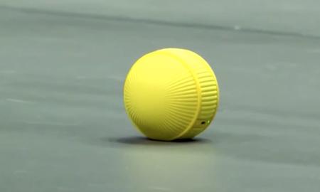 Ballie de Samsung es un adorable robot con forma de pelota de tenis para controlar nuestro hogar inteligente