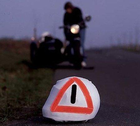 Tu casco se puede convertir en un triángulo de emergencia