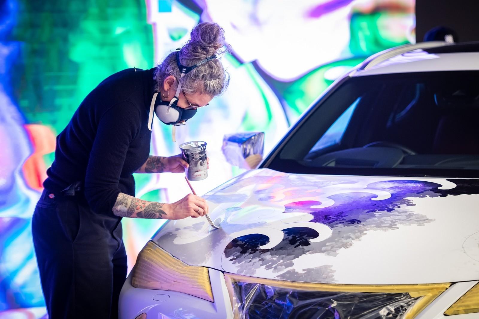 Foto de Lexus UX tatuado (9/27)