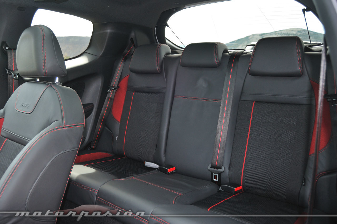 Foto de Peugeot 208 GTi (presentación) (39/42)