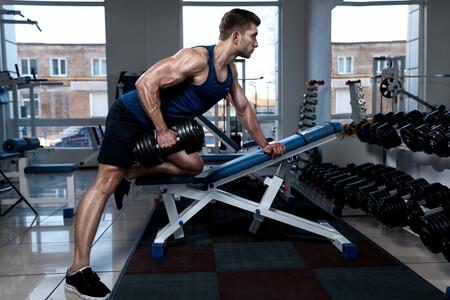 Este año, consigue una espalda más grande y fuerte en el gimnasio: ejercicios y rutina de entrenamiento para lograrlo