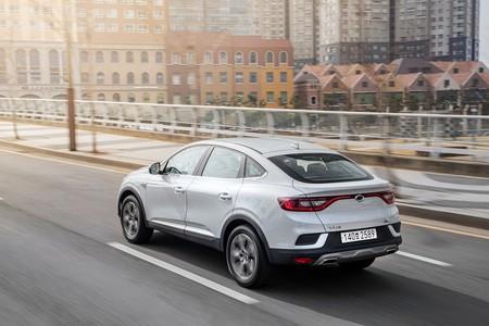 El Renault Arkana llegará en 2021 basado en el Captur, y será el primer SUV coupé de la marca francesa