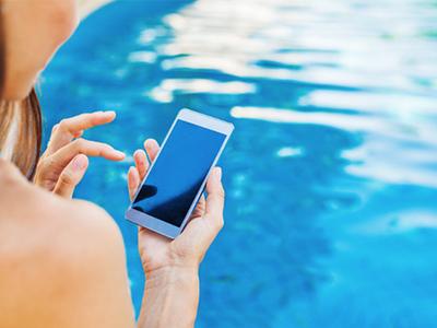 Por qué no deberías poner a prueba la protección contra polvo y agua de tu smartphone