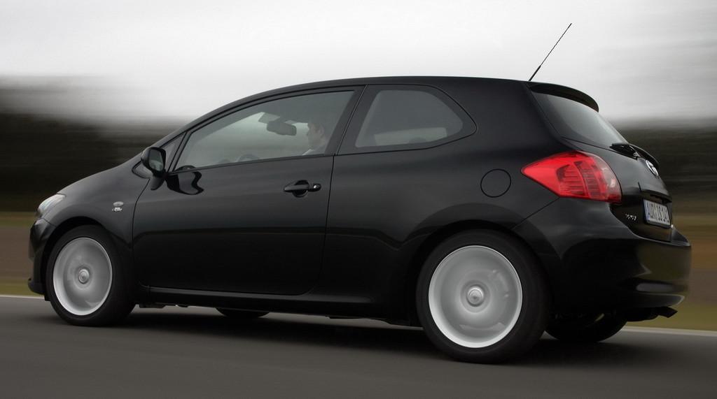 Toyota Auris 3 Puertas 3 6