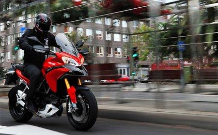 La Ducati MTS 1200 en acción