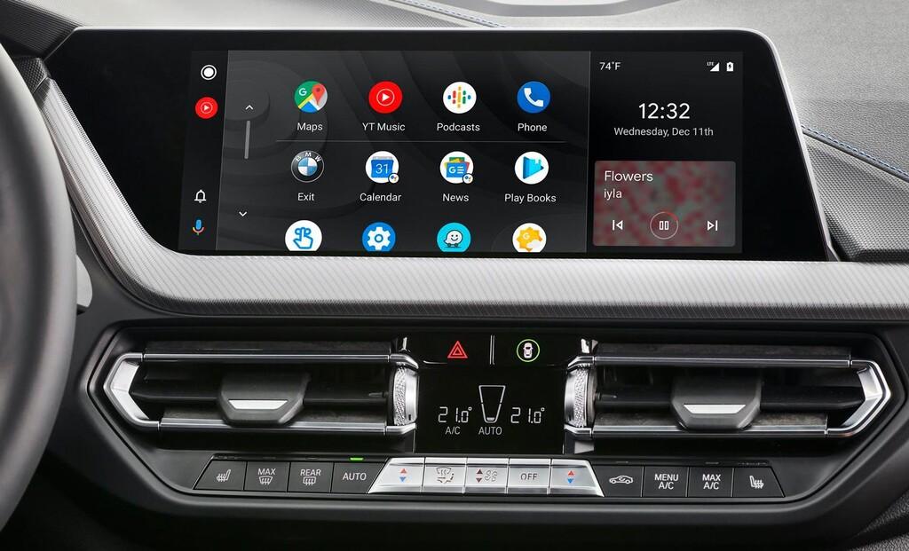 Así es la nueva interfaz de <strong>Android℗</strong> Auto: más botones, diseño(layout) refinado y nuevos fondos de pantalla»>     </p> <p>El sistema operativo para autos se prepara para intercambiar de aspecto optimizando su interfaz y diseño: según muestra la última beta, activa para algunos usuarios, <strong>la pantalla del auto estrena botones de control, nuevas tarjetas de comunicación y de reproducción</strong>, <a href=