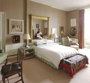 Una buena idea: Un espejo como cabecera para nuestra cama