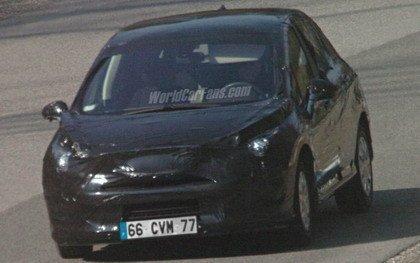 Fotos espía del Peugeot 308 y recreaciones del 3008
