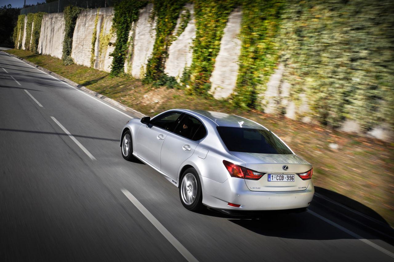 Foto de Lexus GS 450h (2012) (17/62)