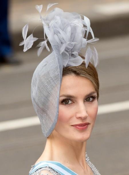 Todos los detalles de los looks de la princesa Letizia en la coronación de los reyes de Holanda