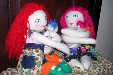 """Preciosas muñecas de parto y lactancia de """"Una buena mandarina"""""""
