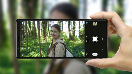 Sony Xperia™ cinco 03