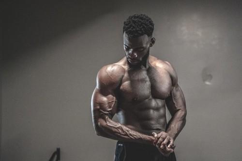 Entrenamiento especial para bombear tus bíceps