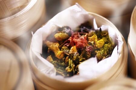 Cómo realizar una adecuada cocción al vapor para conservar mejor los nutrientes de los alimentos