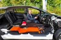 Nissan nos saca de dudas: admite que pierde dinero con el cambio de baterías del Nissan LEAF