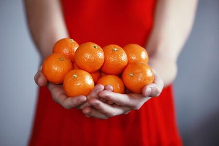 Cómo, cuándo y por qué comer fruta: un alimento saludable al que no debes renunciar (aunque contenga azúcar)