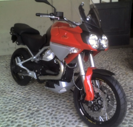 Moto Guzzi Stelvio 1200, fotos casi oficiales