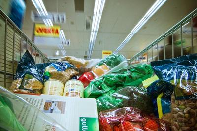 Alimentos caducados a precios rebajados. Grecia abre la veda
