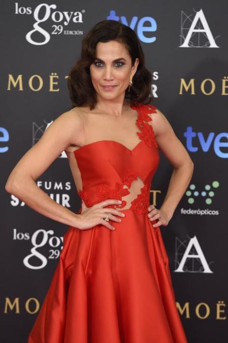 Toni Acosta, de rojo y deslumbrante en los #Goyas2015