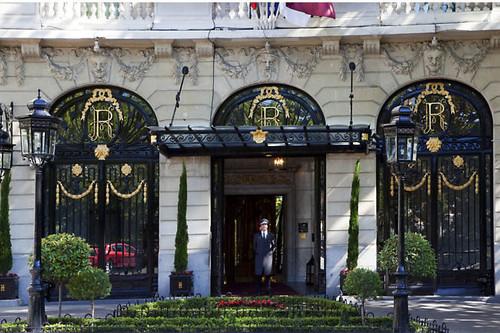 Cierra el Ritz de Madrid para seguir siendo el Ritz: una obra de 99 millones y año y medio