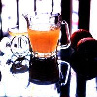 Cómo hacer Agua de Valencia, la bebida con la que refrescar las noches de verano