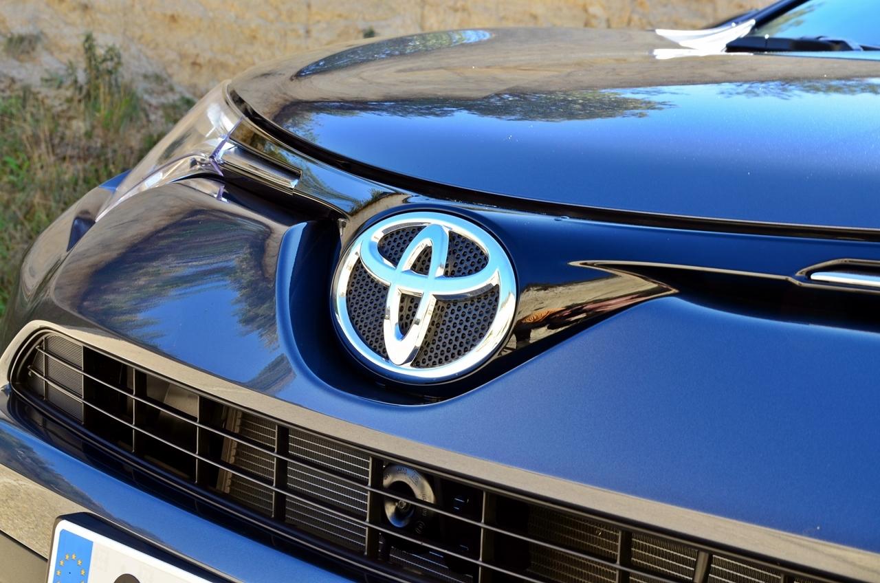 Foto de Toyota RAV4 150D Advance (53/75)
