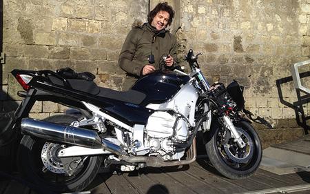 Así quedaron la Yamaha FJR1300 y Lolo de MotoJournal