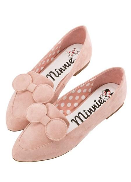 Así son las loafers de Minnie Mouse que querrás lucir con tus street-style