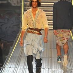 Foto 7 de 14 de la galería john-galliano-primavera-verano-2010-en-la-semana-de-la-moda-de-paris en Trendencias Hombre