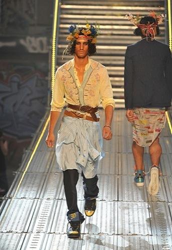 Foto de John Galliano, Primavera-Verano 2010 en la Semana de la Moda de París (7/14)