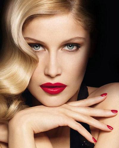 Color Riche Conjuntos Intensos de L'Oréal, labial y esmalte a juego