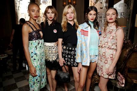 Las estrellas del desfile de Miu Miu son ellas: Uma Thurman, Kate Bosworth, Naomi Cambell y Alexa Chung