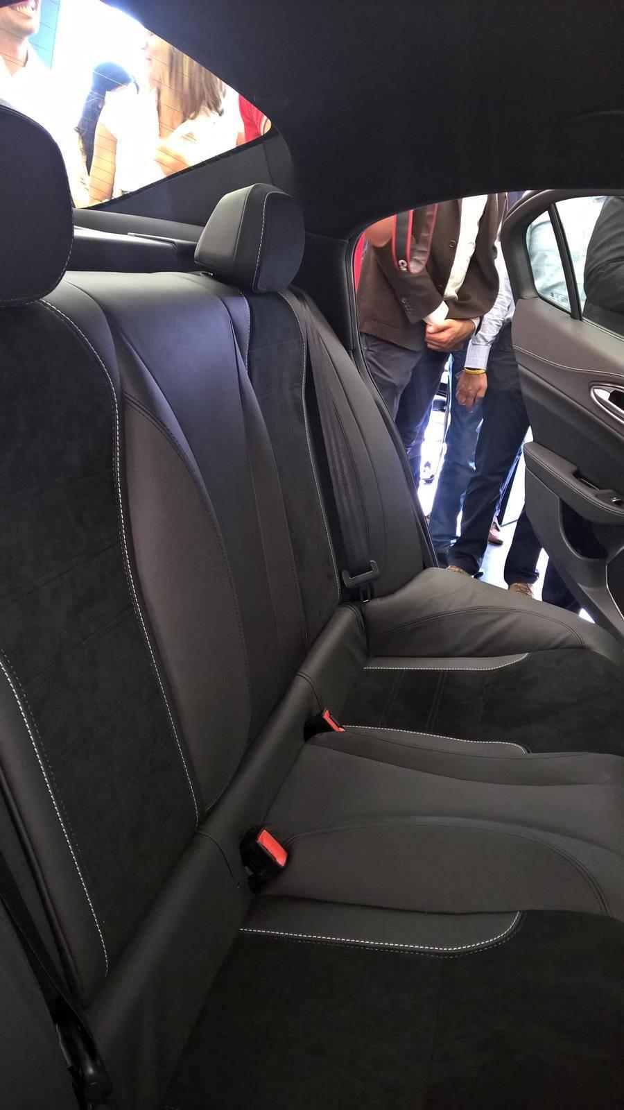 Foto de Alfa Romeo Giulia, interior (8/9)