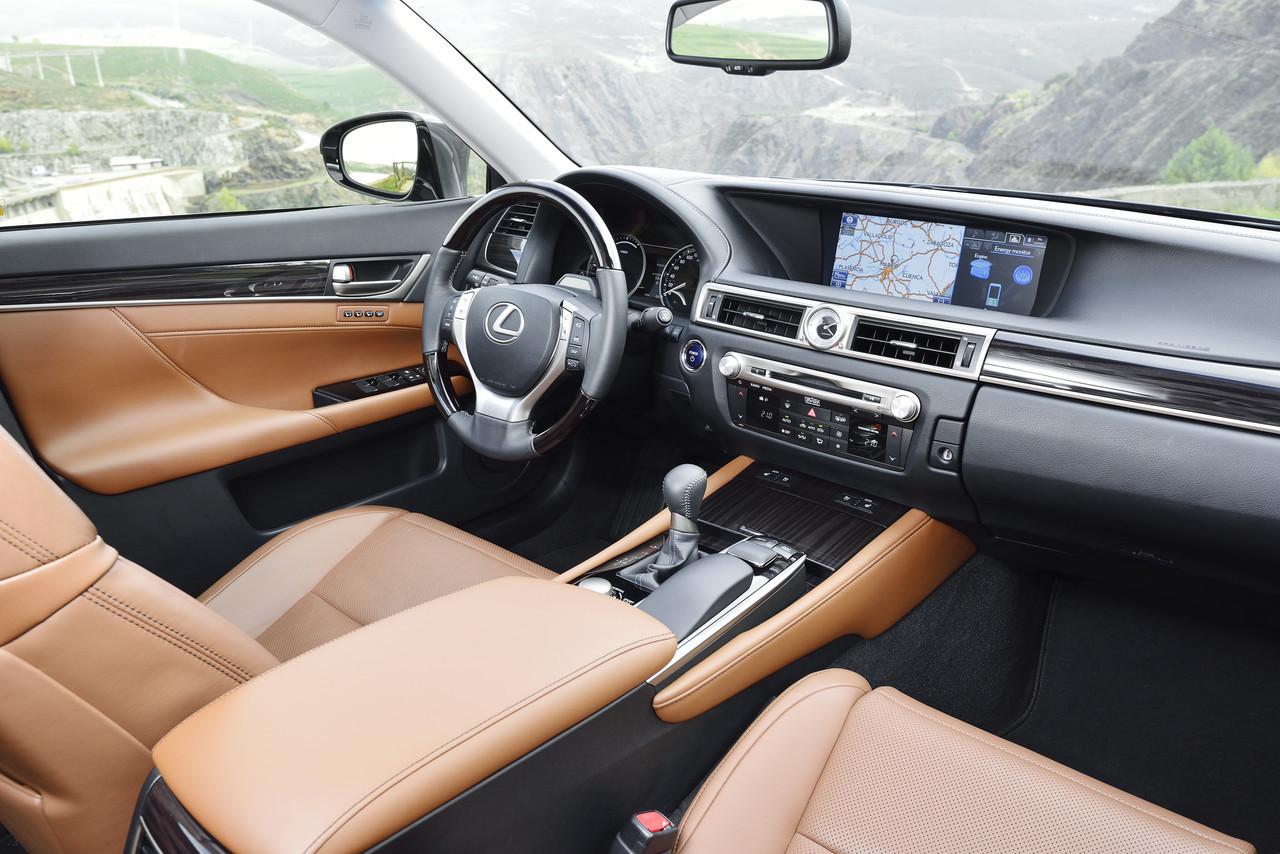 Foto de Lexus GS 300h (20/153)