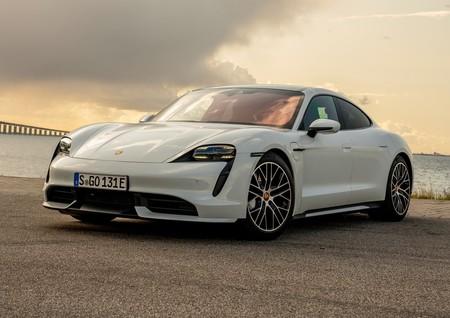 Si reservaste un Porsche Taycan, te tenemos malas noticias: tardará 10 semanas más en llegar a tus manos