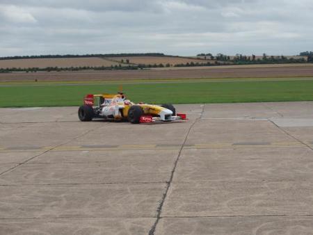 Renault prueba nuevas evoluciones en el aeropuerto de Duxford