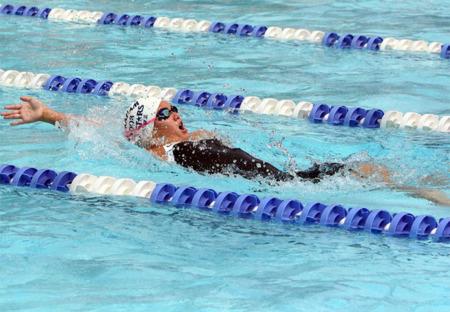 ¿Natación o actividad terapéutica en piscina para tratar una lesión?