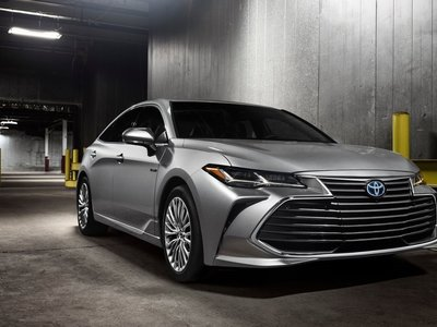 Rasgos muy Lexus para el Avalon, la berlina grande de Toyota que adopta la plataforma TNGA