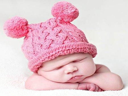 Gorritos ideales para mantener el calor corporal de tu bebé. Diseñados y confeccionados en Barcelona. % algodón.